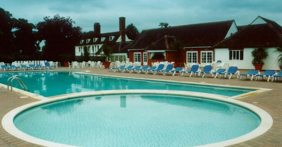 Epping Forest Country Club, Pool Side 1999